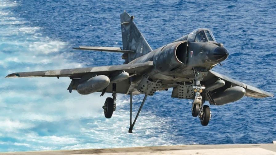 Argentina compró cinco aviones militares a Francia