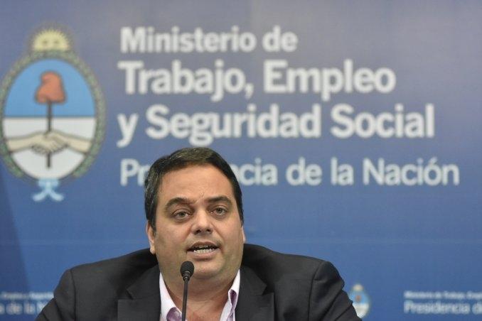 El gobierno estudia una reforma laboral por sectores