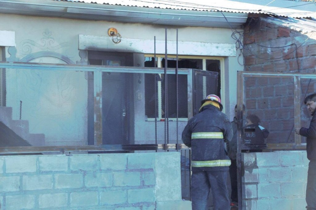 Tres hermanos de 7, 9 y 10 años murieron en un incendio