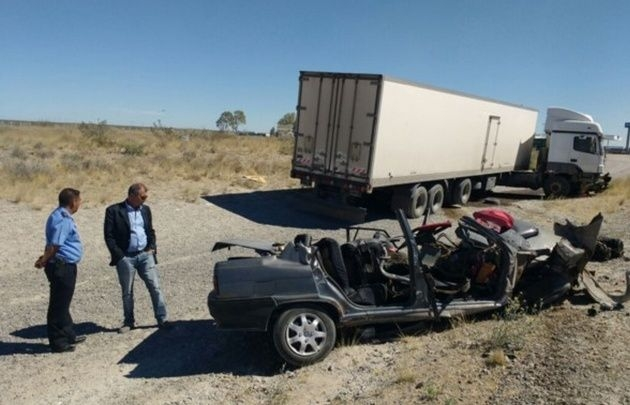 Madryn: Cuatro muertos en choque entre camión y auto
