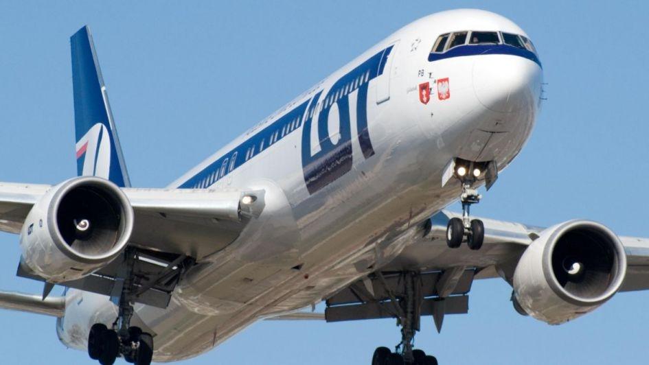 Aerolínea recolectó dinero para arreglar el avión y poder despegar