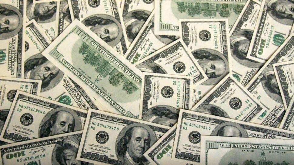 Supera los $ 39 y sube el riesgo país — Dólar hoy