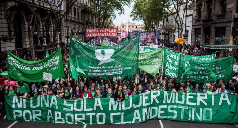 Realizarán un #tuitazo y #pañuelazo a favor del derecho al aborto