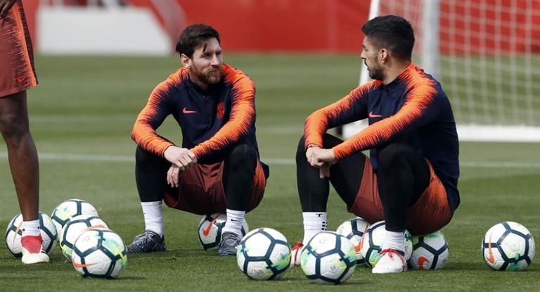 Messi entró y salvó el invicto de Barcelona