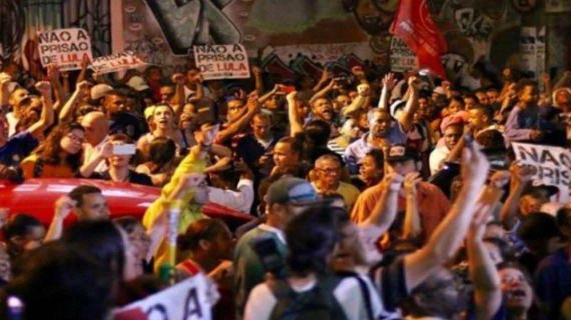 Recursos judiciales y movilizaciones para impedir la detención de Lula