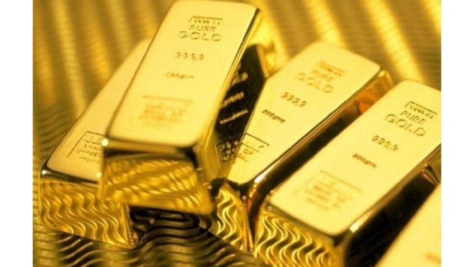 Encuentra barrendero 7 lingotes de oro en la basura