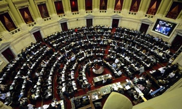 El debate también arde afuera del Congreso — Aborto