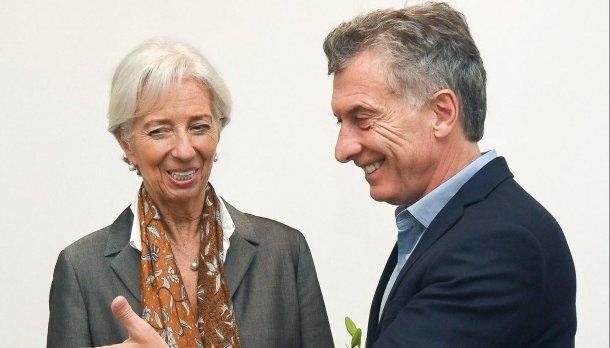 Estados Unidos aseguró que trabaja con Macri para dolarizar la economía Argentina