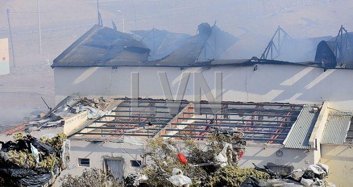 Incendio destruye galpón en el basural de Caleta Olivia - El Diario Nuevo Dia