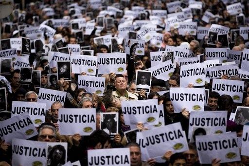 Absuelven al expresidente Menem en Argentina — Causa AMIA