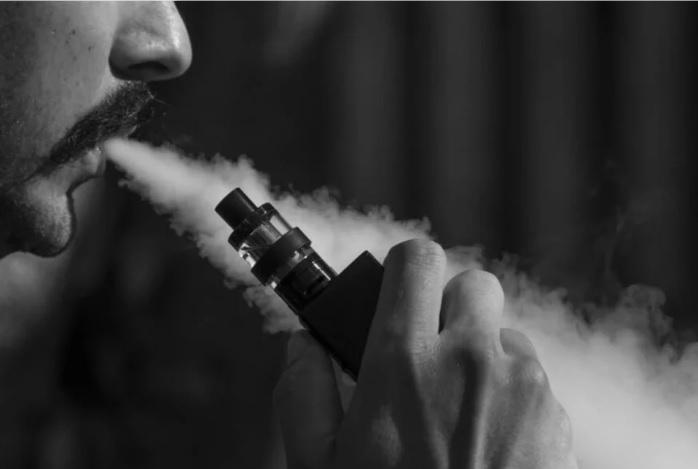 Reporta Illinois primera muerte relacionada con cigarrillo electrónico