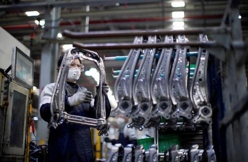 Trump anuncia que General Motors, Tesla y Ford fabricarán respiradores por pandemia