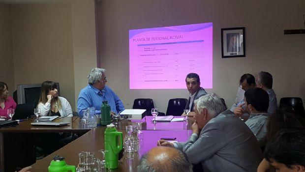Gobierno y empresa minera buscan extender la vida útil de Cerro Vanguardia