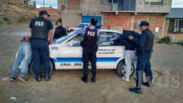 Caleta Olivia: dos individuos robaron en un mercado y fueron aprehendidos
