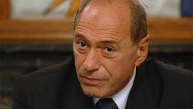 """Eugenio Zaffaroni insistió con su idea sobre el Gobierno: """"Si se van antes, podemos resolver el problema"""""""