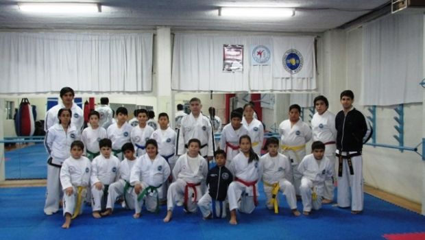Taekwondo en el Hispano: disciplina y respeto