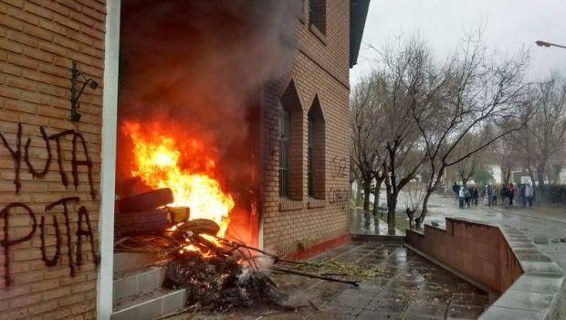 """Incidentes por la absolución del subcomisario Méndez en el """"Caso Gerez"""""""