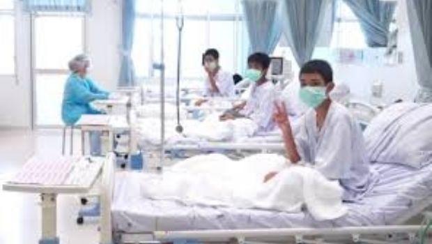 Difunden un video de los niños rescatados en Tailandia grabado en el hospital