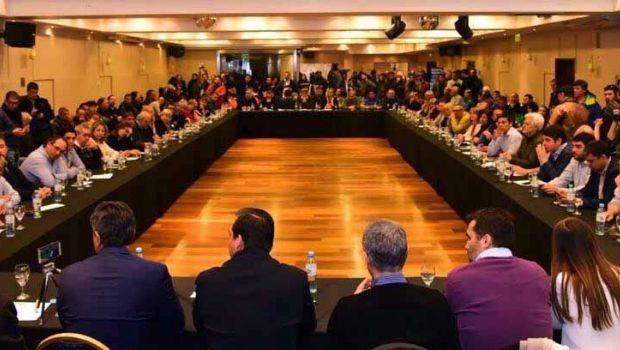 Bloque de intendentes y legisladores patagónicos críticos con Macri