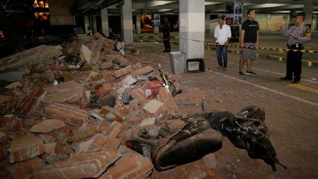 Violento terremoto de 7 grados que sacudió a Indonesia