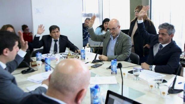 """Ushuaia: concejo Deliberante aprobó el """"control antidoping"""" para políticos y funcionarios"""