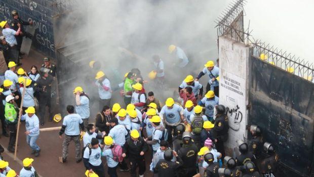Perú: batalla campal entre una barra brava y fieles evangélicos