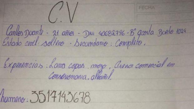 Córdoba: recibió un currículum escrito a mano y empezó una movida en las redes que conmueve a todos