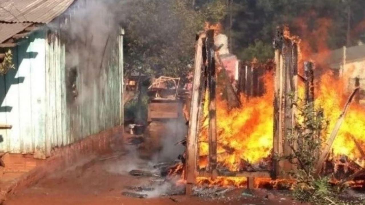 Horror: un nene de 4 años murio carbonizado al incendiarse su humilde casa