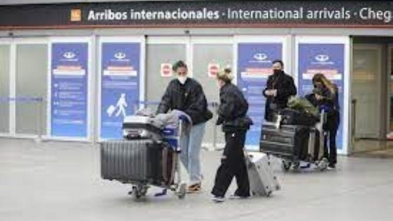 El Gobierno Nacional analiza extender la restricción de ingreso de pasajeros